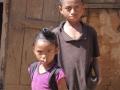 village Ambohibola 2 enfants :-(