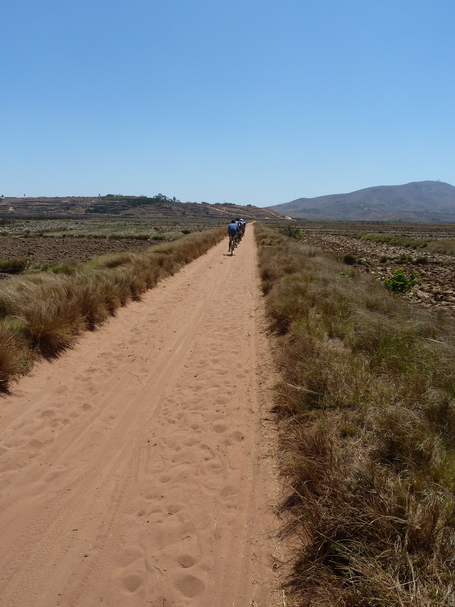 vers le massif Ambohimanda
