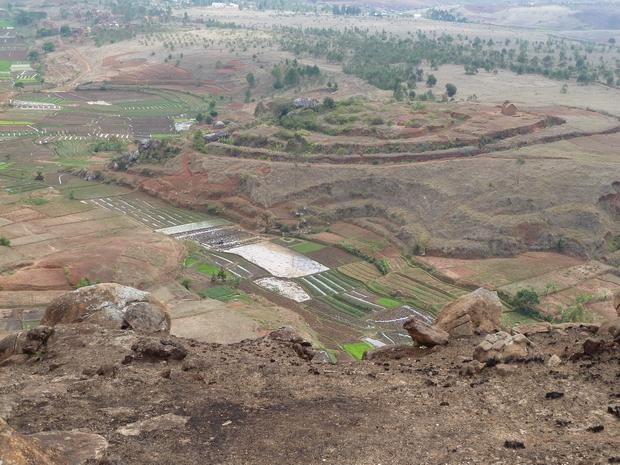 ancien village défendu par ses fossés