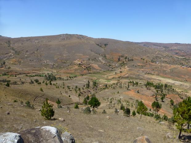 Vallée Ambohiborosy le massif Ambatoentanina