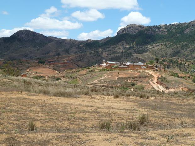 massifs d' Angavokely et d' Ambatomborona