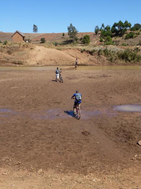 octobre au plus fort de la saison sèche traversée à sec de l' Andromba