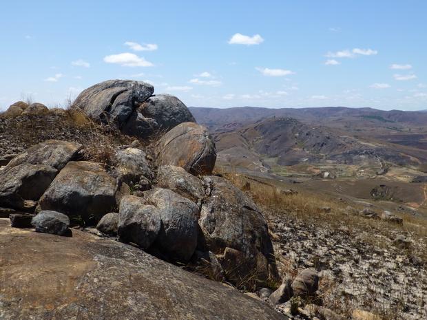 les Sites fortifiés des hauts plateaux Rova Ambohitsiroa