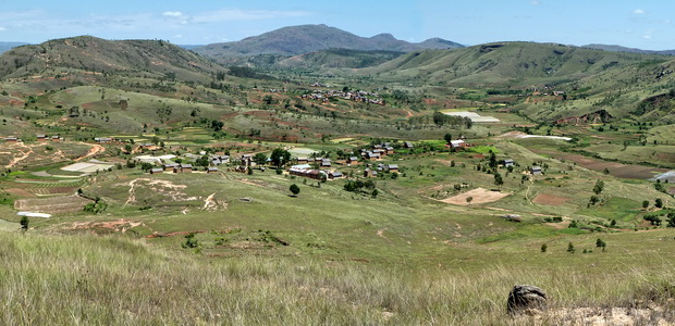 la vallée de l' Ampivalanana