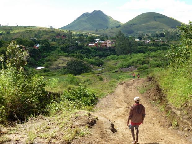 Village Antafofo chute de la lily