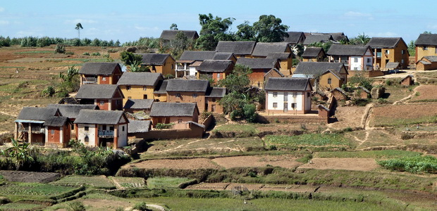 village d' Ambohimanjaka, les maisons aux couleurs chaudes