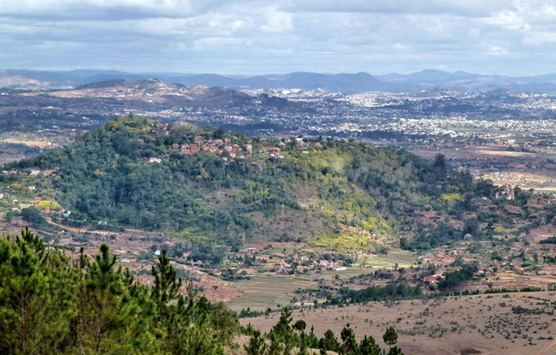 du massif Langana la colline sacrée Ambohimanga