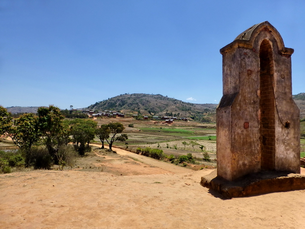 clocher Ankadivoribe, Massif Ambohitrangano cité fortifiée