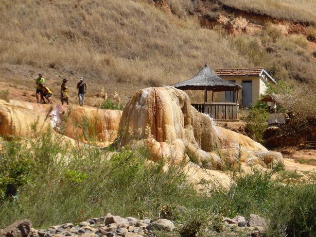geysers Amparaky