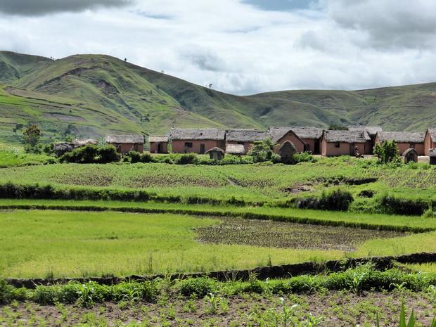 Vallée de la Sahora :  Village Antaboaka