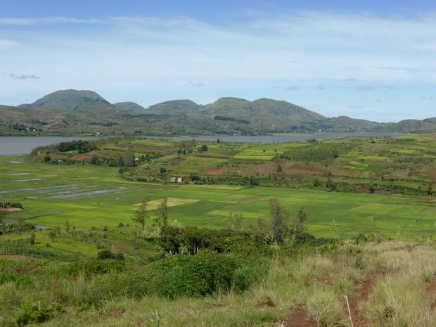 village Tarazo lac Ampefy