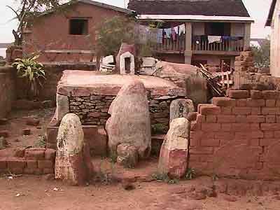 imerimanjaka tombeaux de Rangita et Rafohy