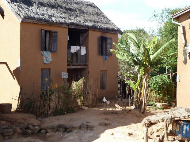 au nord de talata Volonondry, maison typique des Hauts Plateaux