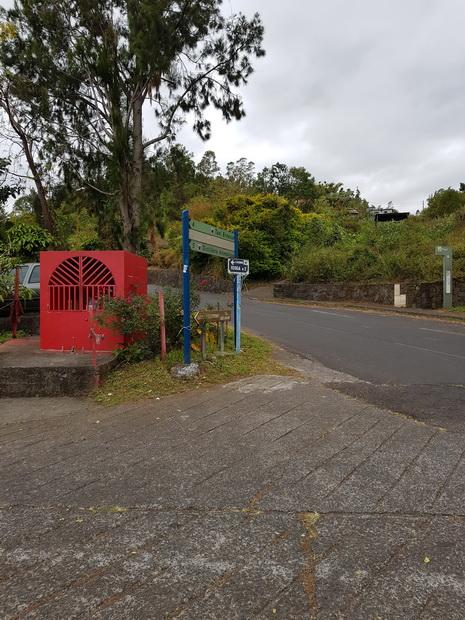 croisement Chemin Féoga Route Forestière du Maïdo